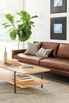For those who love contemporary lines but seek extreme comfort, the Hess leather sofa is the perfect place to unwind.