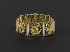Carl Otto Czeschka. Bracelet. Gold and moonstone. Executed by Stanislaus Teyc for the Wiener Werkstatte, 1910. View 2.