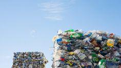 Nederlanders zijn samen verantwoordelijk voor zo'n 510 miljoen kilo plastic verpakkingsafval, maar dat wordt lang niet allemaal gerecycled. Ongeveer een derde verdwijnt in de verbrandingsoven. Dankzij een nieuwe, innovatieve fabriek in Weert is dat niet meer nodig.  De fabriek van Fuenix kan het plastic afval omzetten in olieproducten als nafta.