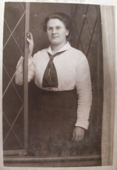 My Journey Back: 52 Ancestors - Dorothy Eleanor May Warry (Paterson)