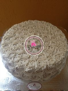 Pastel Roseton Blanco 50 personas https://www.facebook.com/370578873540/photos/a.10153090890138541.1073741837.370578873540/10153091006578541/?type=3&theater