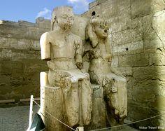 Statue of Ramses II and his wife Nefertari, Luxor