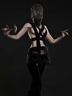 http://kingdomofstyle.typepad.co.uk/my_weblog/2012/05/harnesses-4eva.html?pintix=1