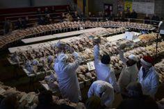 TURKEY BID: Turkeys were sold at an auction in York, Engaland, Thursday. (Nigel Roddis/Reuters)