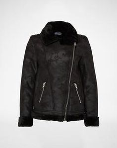 Jacket from Glamorous. Click on the picture to get the product ♥︎