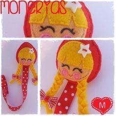 Monerías: ♥ Chupetero Caperucita y Ratona Hair Bow Hanger, Baby Binky, Pacifier Holder, Kids Jewelry, Felt Crafts, Diy Hairstyles, Plushies, Hair Bows, Dolls