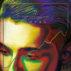 """""""Kings of suburbia"""" de Tokio Hotel KINGS OF SUBURBIA es el título del nuevo álbum de la banda alemana de más éxito en los últimos 20 años que desde hoy 5 de Septiembre ya se puede reservar.  Tokio Hotel pueden presumir de haber consegudo vender más de 7 Millones de álbumes y tener discos de Oro y Platino en 68 países.  Los hermanos Kaulitz se trasladaron a Los Angeles y allí le han dado cuerpo a estas nuevas canciones que verán la luz el 6 de Octubre.  MÚSICA POP-ROCK"""