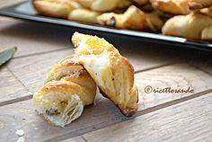 Kranz. #ricetta di @ricettosando Garlic, Bread, Croissant, Vegetables, Food, Brot, Essen, Crescent Roll, Vegetable Recipes