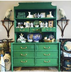 Hunting for room furniture including dining units, player tables, glass-door cabinets and more. Green Furniture, Bamboo Furniture, Furniture Making, Painted Furniture, Home Furniture, Chinoiserie Chic, Faux Bamboo, Annie Sloan, Green China