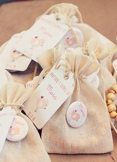 Ideas de Recuerdos para Bautizos Originales para niño o niña. Baby Hamper, Baby Girl First Birthday, Baby Shower, Ideas Para Fiestas, Baby Love, Christening, First Birthdays, Diy And Crafts, Party