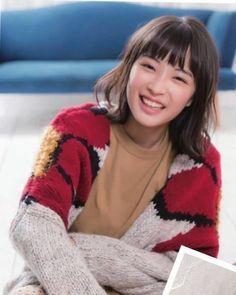 画像に含まれている可能性があるもの:1人、座ってる Hot Japanese Girls, Cute Japanese, Beautiful Morning, Japan Girl, Portrait Inspiration, Female Portrait, Asian Woman, Actors & Actresses, Cute Girls