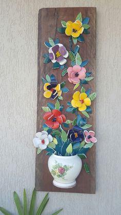 mosaic jug flowers - Her Crochet Mosaic Pots, Mosaic Wall Art, Mosaic Garden, Mosaic Glass, Mosaic Tiles, Mosaic Flowers, Ceramic Flowers, Mosaic Crafts, Mosaic Projects