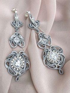 Eleganckie, widowiskowe srebrno-białe kolczyki z kryształami Swarovskiego