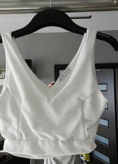 Kup mój przedmiot na #vintedpl http://www.vinted.pl/damska-odziez/bluzki-bez-rekawow/14385025-krotki-bialy-top-zara-z-wycieciem-na-plecach