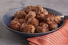 Why serve up meatballs that are too big or too small when you can make meatballs that are juuuust right? Read on to see how it's done.
