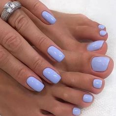 The advantage of the gel is that it allows you to enjoy your French manicure for a long time. There are four different ways to make a French manicure on gel nails. The choice depends on the experience of the nail stylist… Continue Reading → Toe Nail Color, Nail Colors, Blue Toe Nails, Blue Toes, Nagellack Trends, Chrome Nails, Mani Pedi, Nail Inspo, Beauty Nails