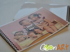 Le tue foto stampate su un coloratissimo foto libro personalizzato. Stampa da 30 a 120 foto su carta patinata e scopri tutte le grafiche disponibili!