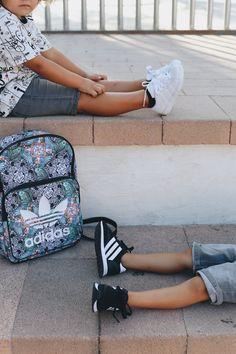 En nuestra sección de Mayka Kids🦊encontrarás las zapatillas perfectas⭐️ para esta vuelta al cole🎒 Adidas, Kids Sneakers, Color Negra, Shoes For Girls, Slippers, Sports, Black