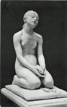 Anonymous ::: Zagara's request: Please add more information available when Re-Pinning this one ::: Sculpture of a girl kneeling