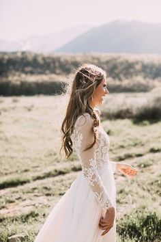 Long Sleeve Wedding Dress pinterest / @lilyxritter