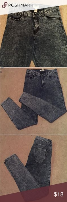 """Forever 21 High Waist Stone Wash Skinny Jeans Forever 21 premium denim high waist skinny jeans, dark blue stonewash. They do have 2% stretch. Very soft. 10"""" front rise, 14"""" back rise. LOWEST PRICES ARE LISTED UPFRONT! Forever 21 Jeans Skinny"""