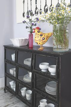 I adore this! Vintage Decor, China Cabinet, Ideas Para, Dining Room, House Design, Storage, Furniture, Inspiration, Dinner