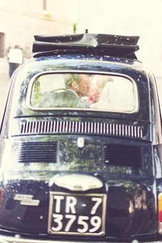 getaway kisses | Rochelle Cheever Photographer | Glamour & Grace