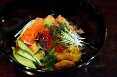 카이센 돈부리 Sea Urchin, Salmon, Salmon Roe, Frying Fish Roe on Sushi Rice -  우니와 연어, 연어알, 날치알, 교꾸 등 다양한 재료로 올린 일본식 돈부리