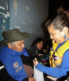 Trujillo Armonía Lions Club (Peru) | Lions distributed scarves and gloves to the elderly on International Day of Older Persons