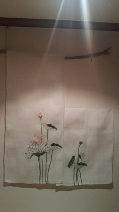 연잎을 수놓은 모시 벽걸이 : 네이버 블로그 Pen Doodles, Embroidery, Painting, Hand Embroidery Flowers, Creativity, Needlepoint, Needlework, Painting Art, Paintings