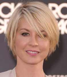 inverted bob with tapered bangs - Yahoo Image Search Results #BobCutHairstylesWithBangs