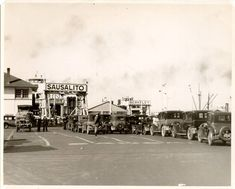 Cars lining up for the Sausalito and Berkeley ferries, Hyde Street Pier, San Francisco (1937)