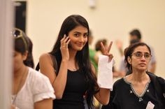 Is this the gorgeous Pooja Hegde at VCON 2012? #VIND12