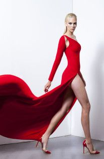 Visit the post for more. Fashion News, Fashion Models, Women's Fashion, Romona Keveza, Long Formal Gowns, Beautiful Dresses For Women, Hot Dress, Fancy Dress, Spring Summer 2018