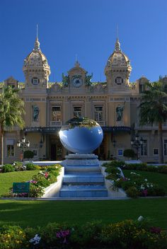 Monte Carlo, Monaco ~~ For more:  - ✯ http://www.pinterest.com/PinFantasy/viajes-~-la-france-en-images/