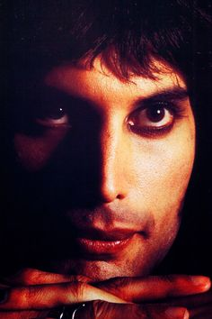Freddie,70s - The Queen