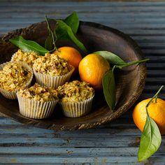 Rehaussez la saveur de vos muffins au son en y ajoutant miel et oranges.