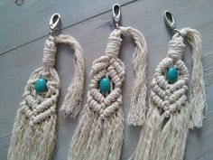 Macrame keychains or bag charms in 3 patterns decorated with a beautiful turquoise Howlite stone for good vibes. Macrame Bag, Keychains, Boho Style, Tassel Necklace, Boho Fashion, Charms, Turquoise, Stone, Projects