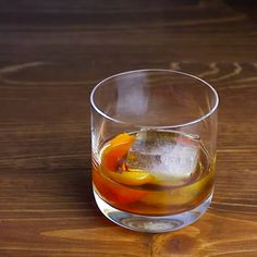 Learn how to make a drink that lives up to its name. This classic Old Fashioned turns 4 simple ingredients into a memorable drink.
