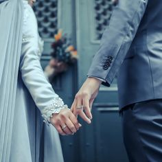 amlar iyi a? Muslim Couple Photography, Photography Poses, Wedding Photography, Couple Pics For Dp, Couple Pictures, Couple Art, Couple Quotes, Cute Muslim Couples, Cute Couples