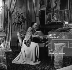 Alexandra Mary Cadogan, wife of the 10th Duke of Marlborough, at Blenheim Palace, Oxfordshire, the family seat (9 Sep 1950). Consuelo Vanderbilt's daughter-in-law.