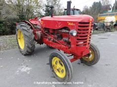 Antique Massey Harris Combine | Antique tractor Massey Harris 744PD of 1948 for sale at Agriaffaires