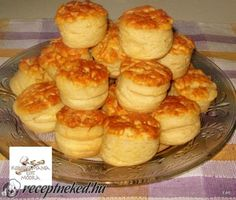 Érdekel a receptje? Cookie Recipes, Snack Recipes, Snacks, Savory Pastry, Good Food, Yummy Food, Dessert Salads, Hungarian Recipes, Hungarian Food