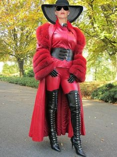Free porn pics of A perfect mature femdom Lady of Norway 22 of 22 pics Fur Fashion, Leather Fashion, Womens Fashion, Fetish Fashion, Leather Corset, Leather Gloves, Corset Belt, Red Leather, Mistress