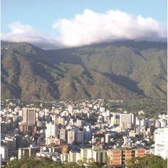 Composición fotográfica de El Ávila (1/3)  Cortesía de http://ift.tt/1ZeRwSl  #LaCuadraU #GaleriaLCU #Avila #ElAvila #Caracas #CaracasNatural #Ccs #CcsNatural #Venezuela #IgersCaracas #IgersVenezuela