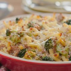 Macaroni with minced meat and broccoli - Every day tasty recipes with Libelle tasty! With a weekly menu, shopping list, explanation of cooki - Spicy Recipes, Pasta Recipes, Italian Recipes, Healthy Recipes, Oven Dishes, Pasta Dishes, Easy Cooking, Cooking Recipes, I Want Food