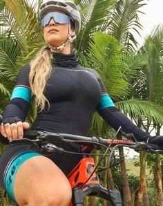 There is nothing quite so beautiful as a women with a bike. Bicycle Women, Road Bike Women, Bicycle Girl, Cycling Wear, Cycling Girls, Cycling Outfit, Sport Treiben, Sport Girl, Best Road Bike