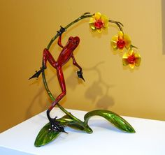 Love all Tim Cotterill's frogs!  This one is gorgeous!
