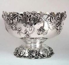 Bailey, Banks & Biddle Art Nouveau Sterling Punch Bowl with Roses. Art Nouveau, Vintage Silver, Antique Silver, Silver Pooja Items, Silver Tea Set, Punch Bowl Set, Tarnished Silver, Silver Necklaces, Silver Earrings