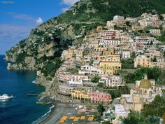 Amalfi is a town with 5317 inhabitants (as of 31 December in Italy, in the province of Salerno, region Campania. It belongs to the mountain community Comunità Montana Penisola Amalfitana. Amalfi is located on the Gulf of Salerno on […] Dream Vacations, Vacation Spots, Best Honeymoon Locations, Honeymoon Destinations, Amalfi Coast Beaches, Places To Travel, Places To See, Les Bahamas, Les Seychelles